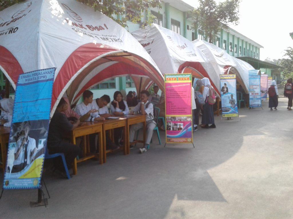 Stand jurusan SMK Negeri 1 Metro